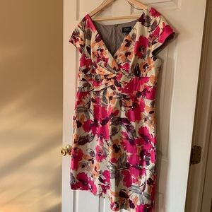 Adrianna Papell Size 16W Floral Dress